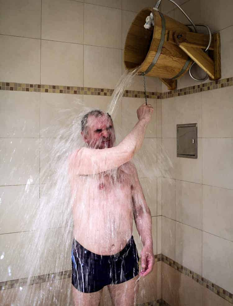 man cold shower